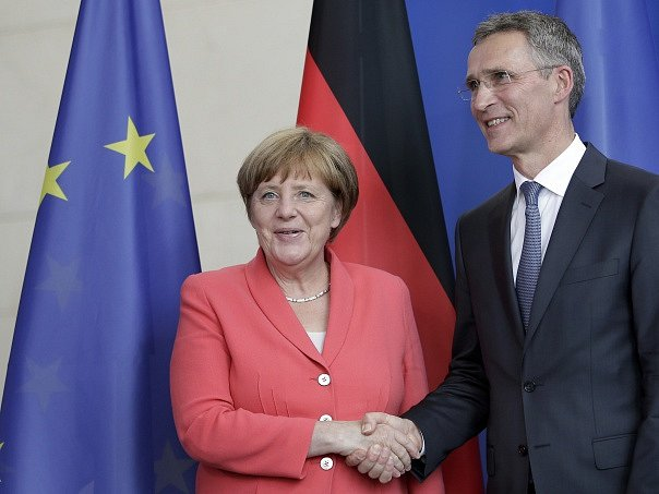 Angela Merkelová a Jens Stoltenberg.