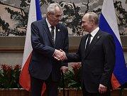 Miloš Zeman a Vladimir Putin, summit v Číně