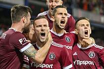 Sparťanská radost z gólu v derby.