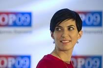 Místopředsedkyně opoziční TOP 09 Markéta Adamová navrhuje, aby ženy s vyššími platy zhruba nad 28.000 korun měsíčně, které jsou na mateřské dovolené, pobíraly vyšší mateřskou.