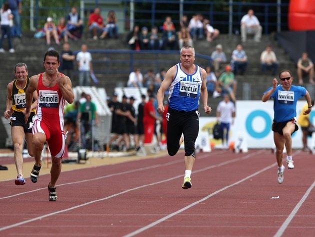 Robert Změlík v závodě veteránů na 100m na atletickém mítinku Zlatá Tretra.
