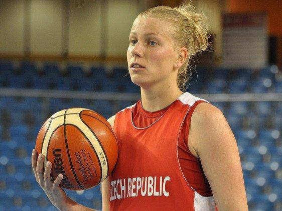 České basketbalistky neuspěly. Nezměnila to ani Kateřina Hindráková