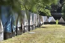 Dětský tábor, stany - ilustrační foto