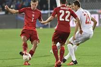 Tomáš Necid (vlevo) a Vladimír Darida (č.22) proti Srbsku.
