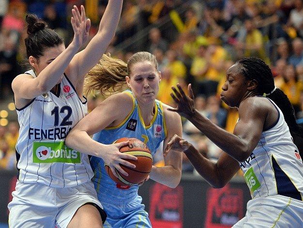 Alena Hanušová v zápase s Fenerbahce