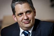 Ministra pro lidská práva Jiří Dienstbier.