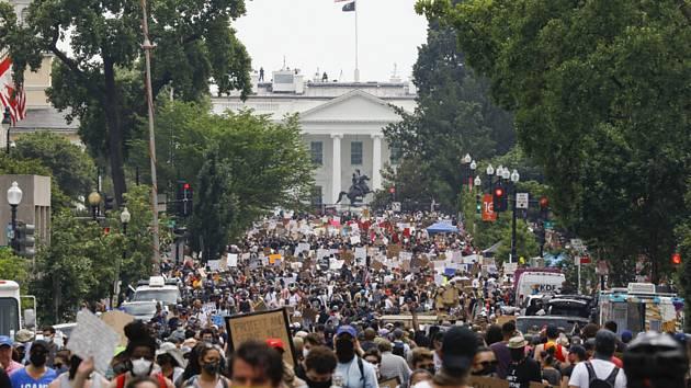 Demonstrace u Bílého domu