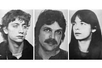Po trojici někdejších členů teroristické skupiny – Ernstovi-Volkerovi Staubovi, Burkhardovi Garwegovi a Daniele Kletteové – německá policie pátrá kvůli přepadení dvou dodávek převážejících peníze.