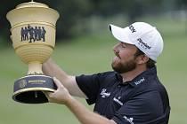 Shane Lowry s trofejí
