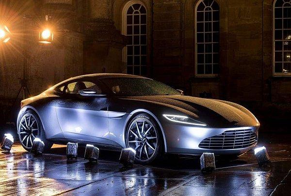 Aston Martin DB10.