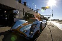 Aston Martin LMP1 při testech v  Le Castellet.