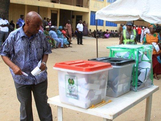 Volby v Nigérii.