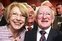 Michael Higgins vyhrál v Irsku prezidentské volby. Na snímku s manželkou Sabinou.