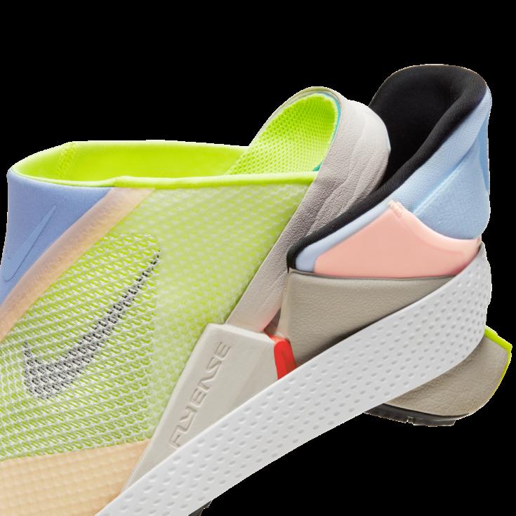 Bez použití rukou. Nike vyrobil unikátní botu