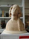 Unikátní busta z lipového dřeva se zachovalou polychromií a zlacením z let 1370 – 1380