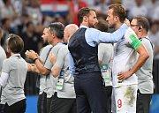 Zklamaní fotbalisté Anglie po nezdaru v semifinále mistrovství světa.