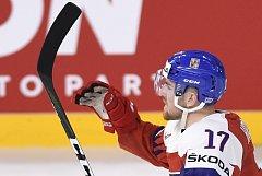 Obránce Filip Hronek se raduje ze svého gólu proti Švédsku.