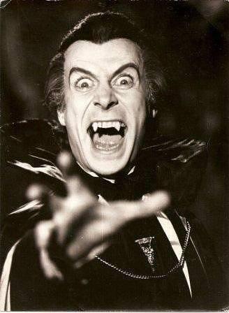 Slavný rumunský upír v podání herce Gianniho Lunadeie z roku 1980