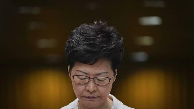 Správkyně Hongkongu Carrie Lamová na tiskové konferenci 26. listopadu 2019.