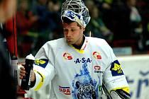 I brankář Ján Lašák už tuší, že se libereckým hokejistům předkolo play-off vzdaluje.