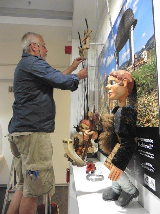 Příběhy plzeňských loutek přibližuje expozice tamního muzea.