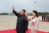 Severokorejský prezident Kim Čong-un s manželkou Ri Sol-ču