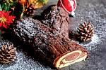 Piškotová roláda plněná krémem, sestavená dopodoby polínka se suky, symbolizuje ve Francii zvyk pálit pro štěstí polínko vohni. Recept na ní naleznete ve vánočním speciálu časopisu Receptář.