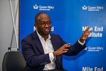 Sam Gyimah opustil vládu premiérky Theresy Mayové