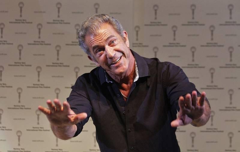 Melu Gibsonovi se skandály rozhodně nevyhýbaly. Antisemitské nadávky policistům či domácí násilí ho málem stály kariéru.