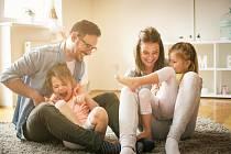 Každý jsme jiný, pro někoho je důležitější kariéra, pro jiného rodina. Když se člověk rozhoduje mezi těmito dvěma variantami, záleží na jeho subjektivním hledisku, čemu dá vživotě přednost.