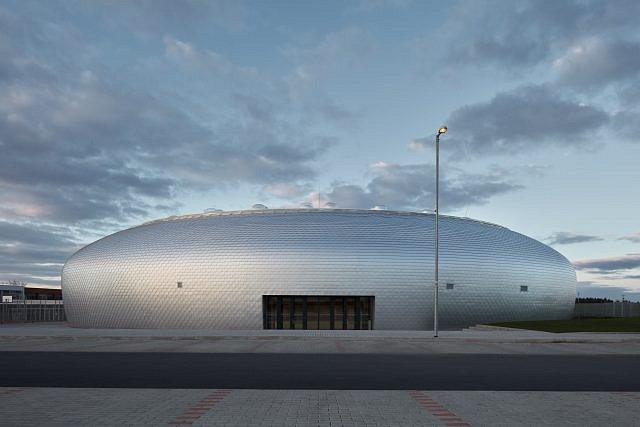 Sportovní hala Dolní Břežany.