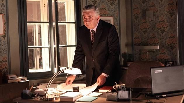 Miroslav Donutil jako Martin Elinger.