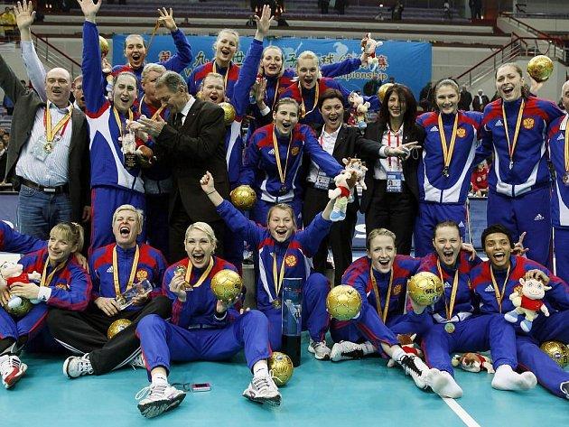 Házenkářky Ruska slaví třetí titul mistryň světa v řadě.