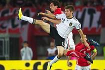 Němec Thomas Müeller v utkání proti Ázerbajdžánu.