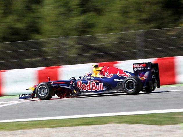 Pilot stáje Red Bull Mark Webber v kvalifikaci na GP Španělska.
