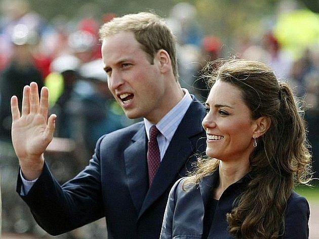 Princ William a Kate Middletonová si řeknou své ano.