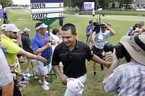 Gratulace na osmnácté jamce. Fabian Gómez ovládl turnaj PGA!