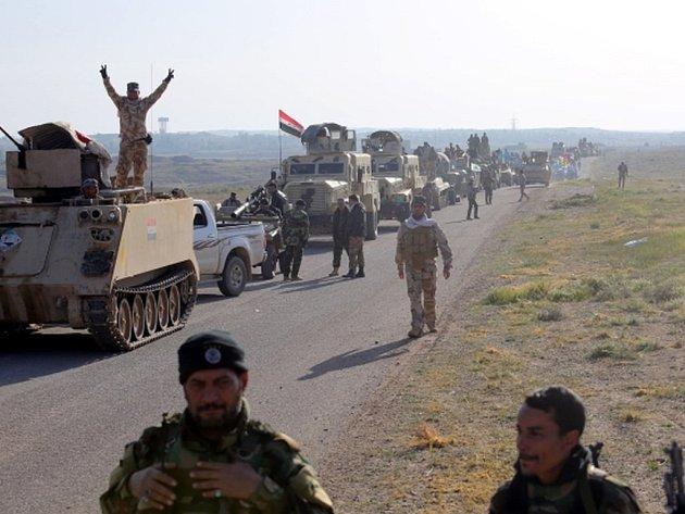 Irácká armáda a spojenecké milice bojující s islámskými radikály o irácké město Tikrít dobyly tamní vojenskou nemocnici a část čtvrtě Kádisíja na severu města.