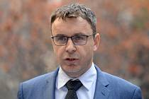 Ministr dopravy Vladimír Kremlík (za ANO).