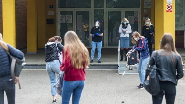 Návrat žáků na ZŠ v Ústí nad Labem