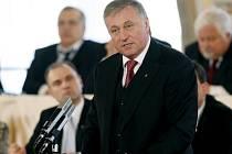 DO KONCE ROKU. Premiér Topolánek věří, že do USA se bude bez víz ještě letos.