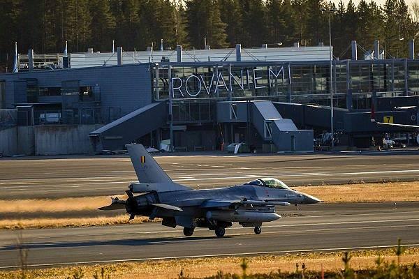 Vojenské cvičení NATO Trident Juncture v Norsku