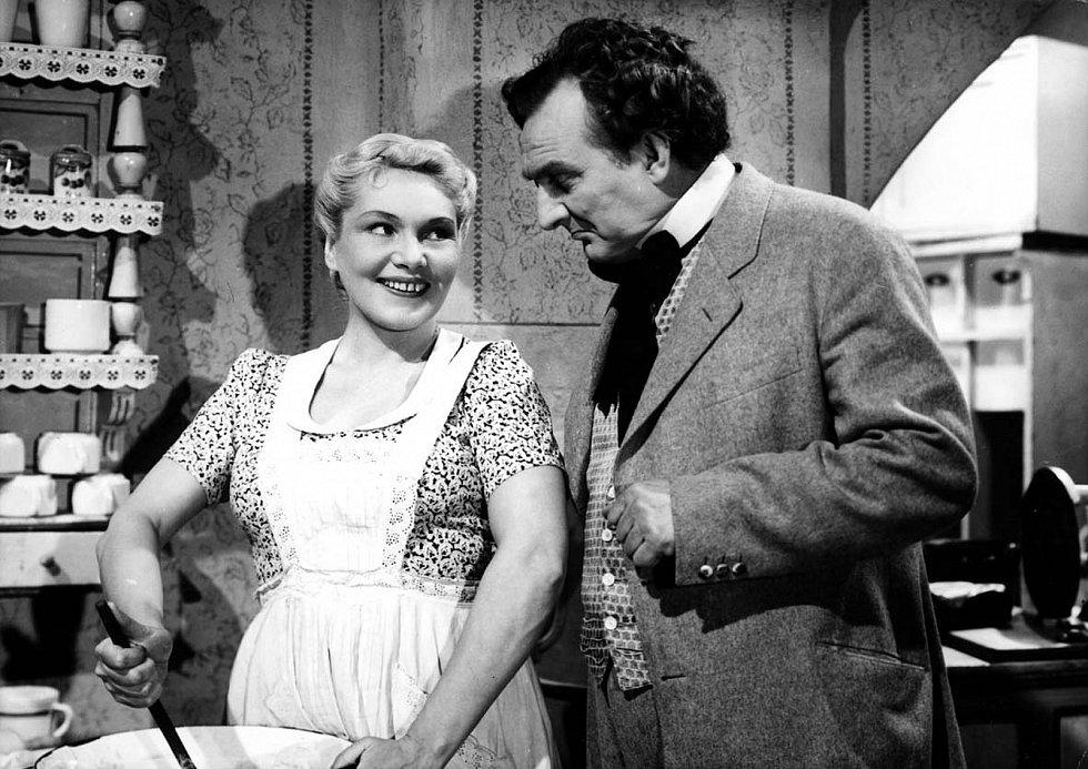 Hostinec U kamenného stolu (rok 1948). Jiřina Šejbalová a Jiří Plachý starší