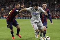 Barcelona vs. Atlético Madrid: Arda Turan u míče