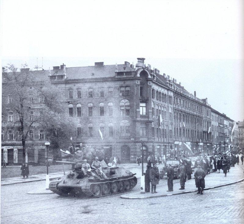 Pražské povstání, Kinského náměstí