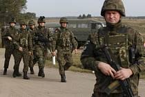 V estonských lesích se cvičí tisíce bojovníků na případnou válku s Ruskem. Ilustrační foto.