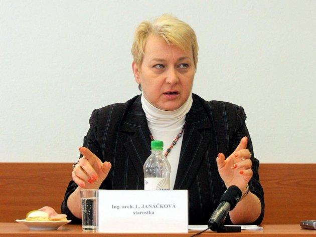 """""""Nesouhlasím s jakoukoliv integrací Cikánů, bohužel jsem rasistka…."""" prohlásila senátorka Liana Janáčková"""