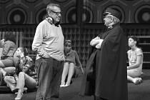 Lekce života od Miloše Formana. Slavného filmaře přibližuje nová kniha vzpomínek