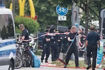 Mladík v Mnichově zabil devět lidí, několik desítek jich zranil
