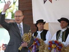 Premiér Bohuslav Sobotka zahájil dožínky 27. srpna na mezinárodním agrosalonu Země živitelka v Českých Budějovicích.
